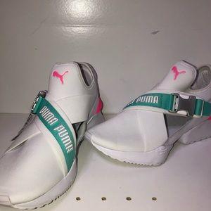 NWT: PUMA Women's Sneaker 👟